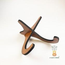 Drewniany stojak na ukulele
